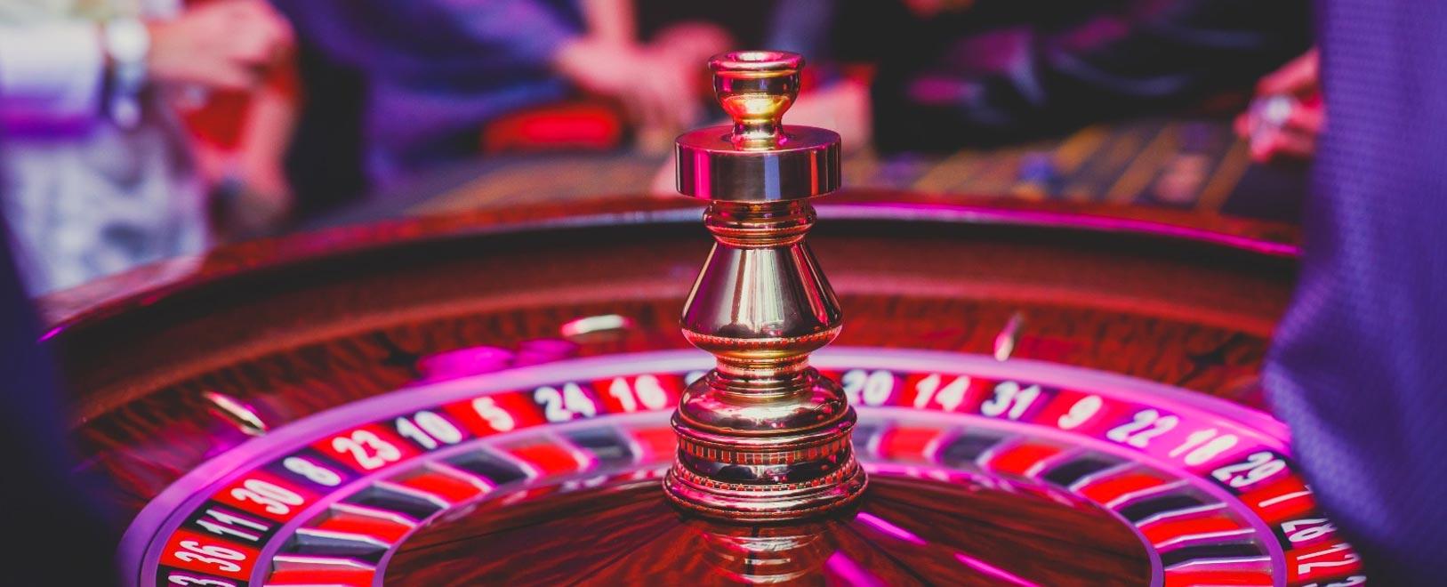 Get online and play Live Dealer at Bodog Casino!