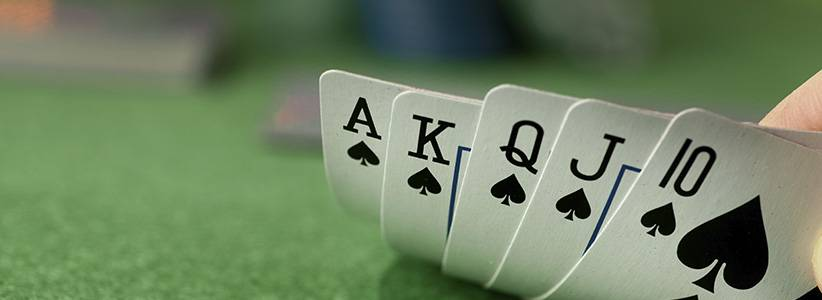 One of the most valuable weapons in a poker player's arsenal is the ability to read the rest of the people at the table.